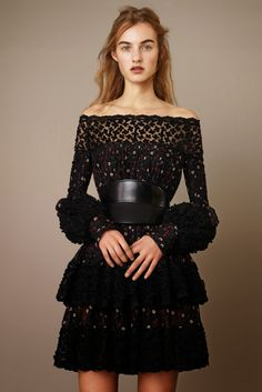 Fashion on the Couch: Alexander McQueen Pre-Fall 2015