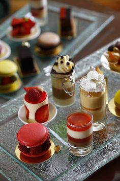Image Gallery mini pastries