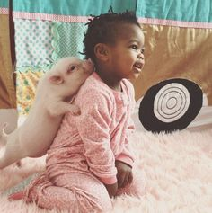 The Precious Bond Between 2-Year-Old Libby And Her Pet Pig Named Pearl-Thee cutest duo ever!!!