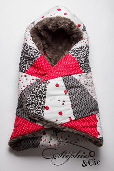 Discover recipes, home ideas, style inspiration and other ideas to try. Baby Couture, Gift List, Creative Kids, Baby Sewing, Burp Cloths, Baby Quilts, Sewing Projects, Sewing Patterns, Winter Hats
