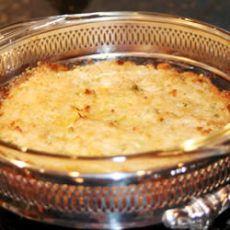 Crab Imperial II. 1 lb crabmeat, 1/2 cup mayo, 1 tbsp lemon juice, 1/2 tsp old, 1/2 tsp cayenne pepper, 1 egg beaten, 1 tsp paprika & 3 Tbsp butter