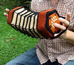 handsome accordion made by caffaknitted http://wp.me/pjlln-2gA #knit #knitting #accordion #knithacker