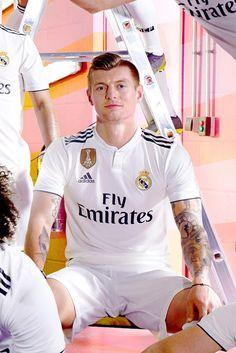 Toni Kroos of Real Madrid & Germany Fifa 1, Real Madrid Shirt, Equipe Real Madrid, Real Madrid Wallpapers, Jack Of Hearts, Lace Dress Styles, Toni Kroos, James Rodriguez, Nike Football