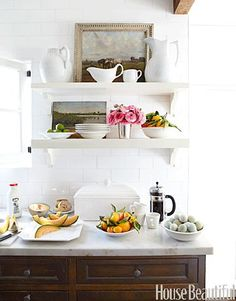 I love the shelves above the buffet table. What a beautiful display. Open Kitchen | http://awesome-kitchen-stuffs-collections.blogspot.com