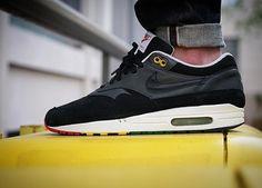 """From 2007 """"Nike air max 1"""" rasta   Pic  by @n1x0n_91  #airmaxalways #everythingairmax #airmax1 #airmaxkicks #airmaxcity #g1runners #klekttakeover #sneakersmag #sneakerplaats #hichemog #tijoojit #joyaparis #runnersclubuk #sadp #womft #weartga #trocsneakers #crepecity #runnergang #thewordonthefeet #snkrhds #runnerwally #44runners #wdywt #therealblacklist #runnersonly #sneakerheaduk #solebloc #sneakerfreaker #womfitg by krykor"""