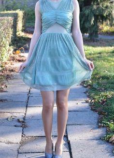 Kup mój przedmiot na #vintedpl http://www.vinted.pl/damska-odziez/krotkie-sukienki/11309442-rozkloszowana-sukienka-z-siateczka-s-xs-studniowka-wesele