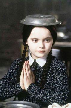 The Addams Family, Dark Beauty, Los Addams, Dark Romance, The Munsters, Wednesday Addams, Christina Ricci, Maquillage Halloween, The Victim