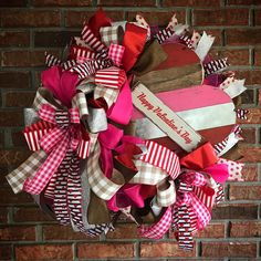 Here's a quick video of some Valentine Wreaths created by some of the Trendy Tree custom designers. Most of these designers sell their wreaths on Etsy and Old World Christmas Ornaments, Christmas Mesh Wreaths, Valentine Day Wreaths, Valentines Day Decorations, Valentine Day Crafts, Christmas Deco, Deco Mesh Wreaths, Holiday Crafts, Holiday Decorations