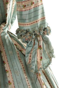 fripperiesandfobs:  Robe à la française, 1770′sFrom Kerry Taylor Auctions