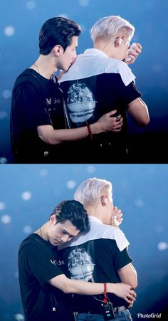 Sehun comforting a crying Chanyeol. Baekhyun, Park Chanyeol Exo, Kpop Exo, Exo Kai, Chanbaek, Exo Ot12, Kaisoo, K Pop, Sekai Exo