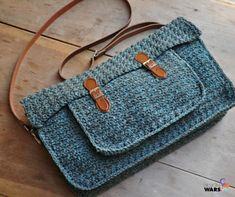Crochet Purses Design Looking for your next project? You're going to love The Quotidian Satchel: Crochet Pattern by designer HanJan Crochet. Crochet Messenger Bag, Messenger Bag Patterns, Crochet Handbags, Crochet Purses, Crochet Bags, Crochet Shell Stitch, Crochet Stitches, Love Crochet, Knit Crochet
