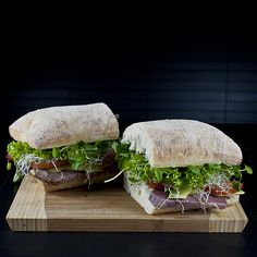Beef & Salad Ciabatta Sandwich - A great beef sandwich to fill a man-sized space in your tummy. Ciabatta, Wrap Recipes, Beef Recipes, Fodmap Diet, Low Fodmap, Beef Sandwich, Sandwich Recipes, Tacos And Burritos, Salads