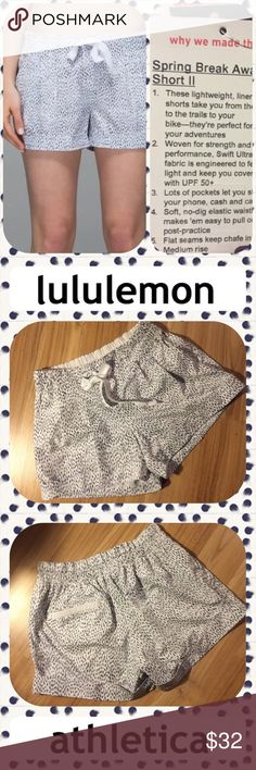 🍋 Lululemon Spring Break Away Shorts 🍋 🍋 Dream material that dries very quickly if traveling or on the go 🏃🏼‍♀️🏓🤸🏻‍♀️🚣🏻‍♀️🚴‍♀️🏝or shopping 🛍 till you drop 🛌!! Like new condition! White with navy flecks....darling! lululemon athletica Shorts