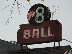 8-ball-detail.jpg (500×375)