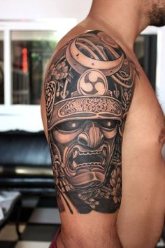 Japanese, Afro and Geisha Samurai Tattoo Designs, Meanings and Ideas. Awesome traditional Samurai tattoos for your sleeve, chest or other body parts. Samurai Maske Tattoo, Samurai Warrior Tattoo, Samurai Helmet, Warrior Tattoos, Oni Mask Tattoo, Hanya Tattoo, Helmet Tattoo, New Tattoos, Tattoos For Guys