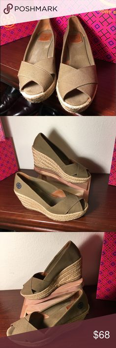 "Tory Burch Wedge espadrilles, taupe canvas sz 8 Very good condition and ready to wear. Tory Burch espadrilles with a taupe/light brown canvas, size 8 B.  Leather Tory logo on insoles heel is in perfect condition, which would indicate not a heavily used shoe.  The lift in back is 3.25"" high and at the toe tip of the shoe, it is 1.5"". Pre-owned Tory Burch shoe that shoes a little wear on the insoles as well as minor wear on the insoles. The outer parts of the shoe are clean. Tory Burch Shoes…"