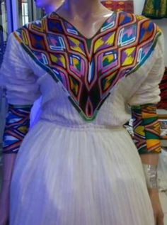Ethiopian Traditional Dress, Ethiopian Dress, Traditional Clothes, African Fashion, Braided Hairstyles, Braids, Women Wear, Dressing, Hair Styles