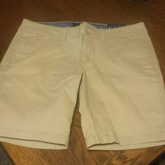 American Eagle kaki shorts mid length New with tags American Eagle Outfitters Shorts