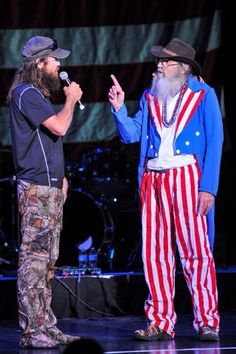 Jase and Si Robertson Family, Phil Robertson, Duck Dynasty Family, Justin Martin, Dynasty Tv, Daffy Duck, Duck Duck, Duck Calls, President Ronald Reagan