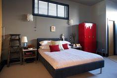 Bachelor's Bedroom Ideas http://www.nicespace.me/bachelors-bedroom-ideas-2407/