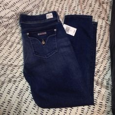 """NWT Hudson Jeans Double button in the front, skinny ankle, 29"""" inseam. Buttons on back pocket. Brand new, never worn Hudson Jeans Jeans Skinny"""