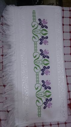 Towel with Cross-Stitch Cross Stitch Borders, Cross Stitch Flowers, Cross Stitch Designs, Cross Stitching, Cross Stitch Embroidery, Embroidery Patterns, Hand Embroidery, Cross Stitch Patterns, Bargello