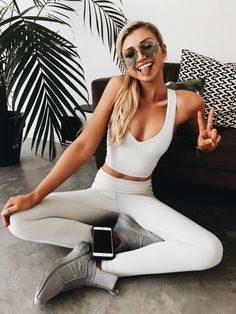 ideas sport outfit fitness motivation for 2020 Athletic Outfits, Athletic Wear, Sport Outfits, Athletic Fashion, Athletic Clothes, Athletic Shoes, Athleisure Trend, Athleisure Fashion, Workout Attire