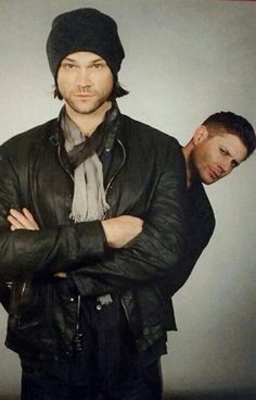 Jared Padalecki and Jensen Ackles (aka Sam and Dean Winchester of Supernatural)                                                                                                                                                     Mais