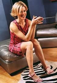 63 Julie Bowen Sexy Pictures Are Heavenly   CBG Julie Bowen, Perfect Wife, Guys And Dolls, Shoes Photo, Celebs, Celebrities, Celebrity Feet, Modern Family, Fashion Models