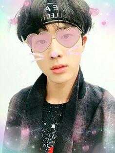 Worldwide Cutie guy Round Sunglasses, Mens Sunglasses, Personal Care, Eyes, Beauty, Beleza, Self Care, Round Frame Sunglasses, Personal Hygiene