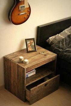 Möbel aus Paletten  praktischer Einsatz - Nachttisch