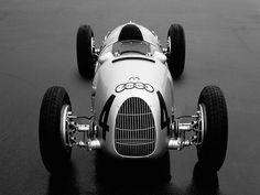 Automobile - 1936 Auto Union Type C. Courses F1, Auto Union, Mercedez Benz, Classic Race Cars, Volkswagen Group, Vintage Race Car, Audi Cars, Car And Driver, Car Manufacturers