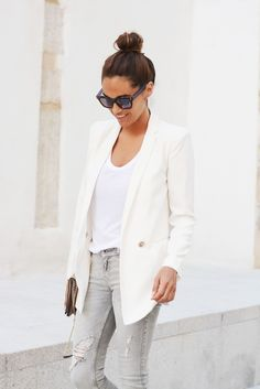 Top knot, crisp white blazer and gray skinny jeans - stellawantstodie