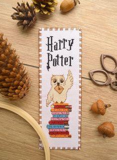 """Harry Potter Cross stitch bookmark pattern """"Owl"""" Harry Potter digital pattern In. Harry Potter Bookmark, Harry Potter Owl, Cross Stitching, Cross Stitch Embroidery, Embroidery Patterns, Hand Embroidery, Cross Stitch Books, Cross Stitch Bookmarks, Marque Page Harry Potter"""