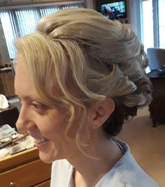 Updos, Pretty, Fashion, Moda, Fashion Styles, Up Dos, Party Hairstyle, Fashion Illustrations, Hairstyles