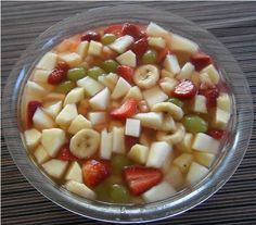 Fruitsalade (voor Bij De Paasbrunch) recept | Smulweb.nl Brunch Recipes, Sweet Recipes, Kids Meals, Easy Meals, Healthy Recepies, Healthy Chicken Dinner, Best Food Ever, Mushroom Recipes, High Tea