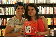 """Foto: O Livro Cozinha Pop das divas Mariane Lorente e Laura Salaberry já está aqui no e-glu! Eu e a Pinguina fomos na noite de autógrafos e AMAMOS o livro! Compre já: http://pingu.im/LivroCozinhaPOP <3 <("""") <3 #Gastronomia #CulturaPOP #POP #Cozinha #Livro"""