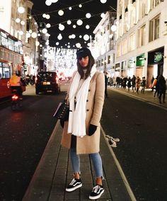 winter outfits london New Ideas Street Style Women Fashion for Winter to Spring Fashionova. City Outfits, Paris Outfits, Winter Fashion Outfits, Mode Outfits, Fall Winter Outfits, Look Fashion, City Break Outfit Winter, Korean Fashion, Paris Winter Fashion
