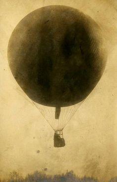 vintage hot air balloon. LOVE.