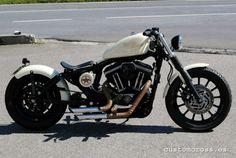 Harley-Davidson Sportster XL 883 R Bobber - 1
