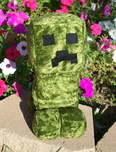 Minecraft - creeper plush by Kobb.deviantart.com