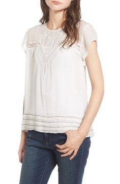 Free shipping and returns on Hinge Embroidered Lace Yoke Top at Nordstrom.com. Lacy details and pretty floral embroidery add delicate femininity to a lightweight top perfect for soaking up the sunshine in the warmer months and layering when the temp drops.