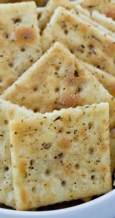 Savory Italian Seasoned Crackers Recipe<br> I am a sucker for salty and savory snacks, and these Italian seasoned crackers definitely fit the bill. They are savory and buttery and crispy, all the components for the perfect snack! My kids love to Seasoned Saltine Crackers, Saltine Cracker Recipes, Snack Mix Recipes, Appetizer Recipes, Cooking Recipes, Snack Mixes, Italian Appetizers, Shrimp Recipes, Cake Toppers