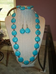 the set bracelt to fit any size necklace and earrings