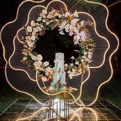 Login : No photo description available. Wedding Backdrop Design, Wedding Stage Decorations, Backdrop Decorations, Backdrops, Diy Wedding, Wedding Ceremony, Festa Party, Deco Floral, Flower Wall