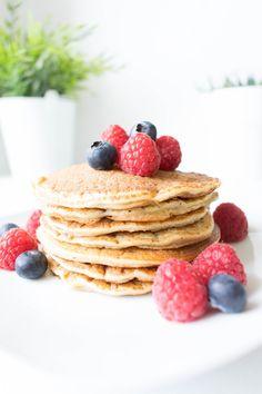 44 New Ideas Breakfast Pancakes Blenders Oatmeal Breakfast Bars, Healthy Breakfast Muffins, Oatmeal Pancakes, Breakfast Pancakes, Pancake Healthy, Breakfast Crockpot Recipes, Oatmeal Recipes, Manger Healthy, Homemade Butter