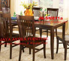 Kode : JA-SM011a Nama : Set Meja Makan Minimalist Set Meja makan Minimalist merupakan produk dari Jaya Antika, terbuat dari kayu pilihan serta dikerjakan oleh tukang kayu yang sudah sangat berpengalaman dalam pembuatan meja makan, dan untuk gambar