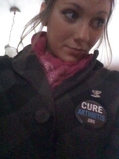 Joanne rockin' the #CureArthritis button!