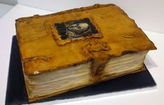 Leather bound Shakespeare book cake By Über Angel Cakes - Cake Wrecks. Hand painted and worn leather detail.just amazing. Pretty Cakes, Cute Cakes, Beautiful Cakes, Amazing Cakes, Complete Works Of Shakespeare, Book Cakes, Sculpted Cakes, Cake Wrecks, Angel Cake