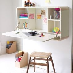 Cleverly designed storage cabinets, desks so it is also easy to use ~